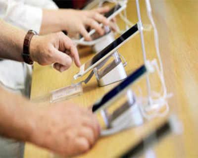India smartphone market bounces back, average device cost jumps