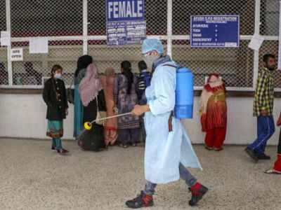 Kashmir headed towards virtual shutdown, all public transport banned in Srinagar