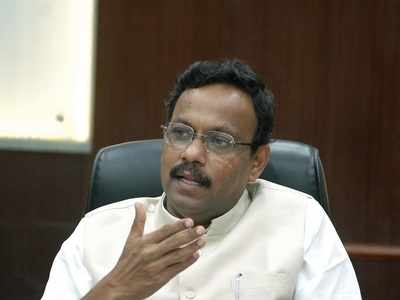 AAP calls out minister Vinod Tawde for advising students to stop pursuing education if they cannot afford it