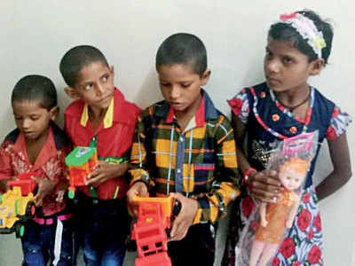 Abandoned in the middle of a lake, Sabarkantha police rescue five siblings