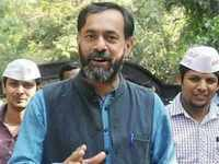 Yogendra Yadav detained and taken into police custody in Tamil Nadu