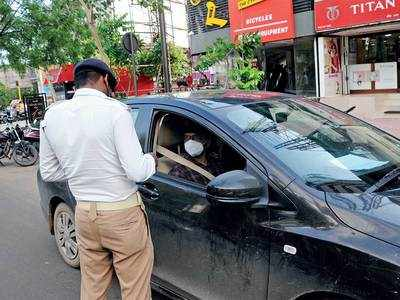 Signalled to stop, driver runs car over PSI's foot