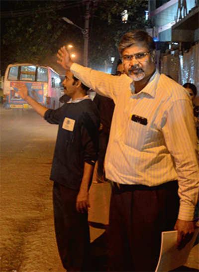 Bengaluru: Professor gets death threats for taking on bus mafia