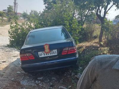 Himachal Pradesh Governor Bandaru Dattatreya escapes unhurt in road mishap near Hyderabad