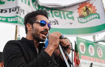 Farmers protest live updates: Delhi Police names Deep Sidhu, Lakka Sadana in FIR