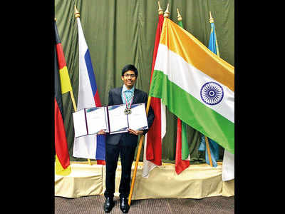 Teen wins gold in astrophysics olympiad