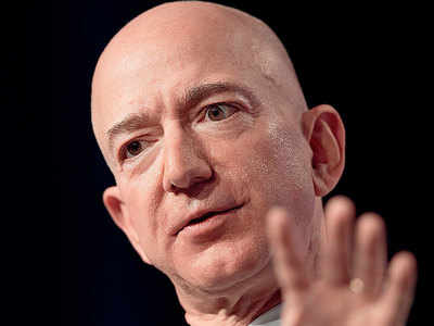 Bezos accuses Nat'l Enquirer of 'blackmail' over intimate photos