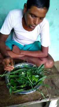 This man is eating raw leaves since 10 years