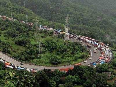 Mumbai-Pune Expressway receives 24-hour patrolling during monsoon