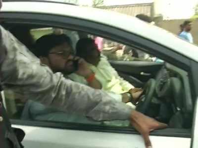 Violence breaks out in West Bengal; Babul Supriyo's vehicle vandalised