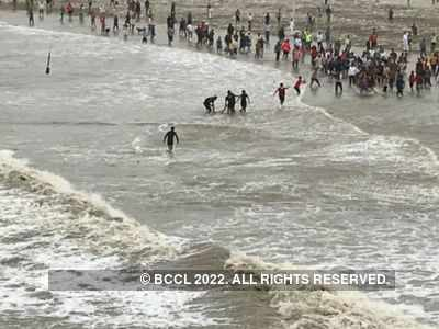 Two women drown off Juhu beach in Mumbai