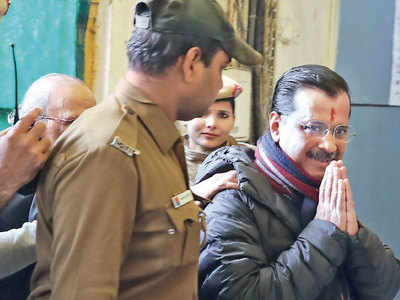 Kejriwal calls EC delay 'absolutely shocking'