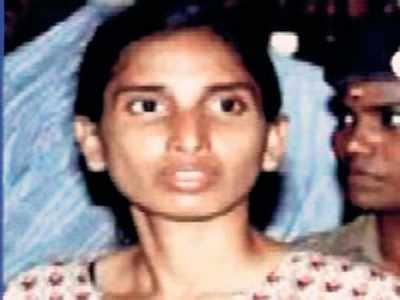 Rajiv Gandhi assassination case: Convicts Nalini Sriharan, Murugan seek mercy killing