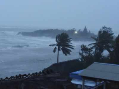 Cyclone Nivar crosses coast near Puducherry, weakens into severe cyclonic storm