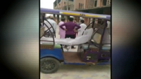 Covid-19: Family carries dead body in e-rickshaw in Saharanpur, UP