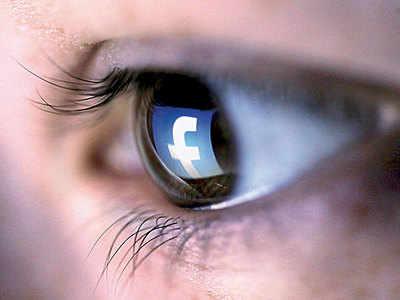 Facebook bans deepfakes to stop online manipulation