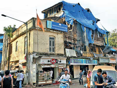 Bombay High Court grants stay on 100 year old building's demolition in Bandra, tells residents, they stay at their own risk