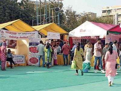 AMC hails, traders assail shopping fest