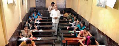 SPPU senate members suggest exam modes
