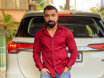 Bigg Boss 7 fame Ajaz Khan accuses Shiv Sena of giving him death threats for contesting polls