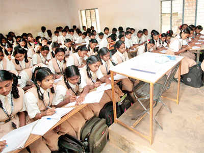 No-detention school policy: Teachers, parents bat for exams