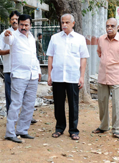Two MLAs walk the talk ...for better pavements