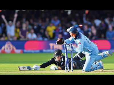 Should there have been another super over in the cricket World Cup final?