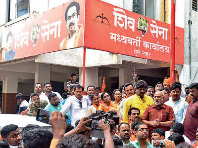 'Upset' Shiv Sena wants 2 constituencies in city