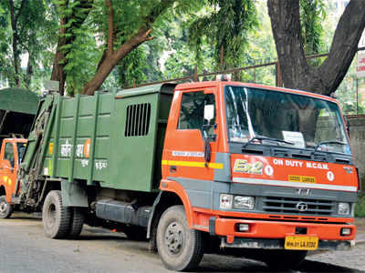 Garbage contractors who duped BMC are back in business