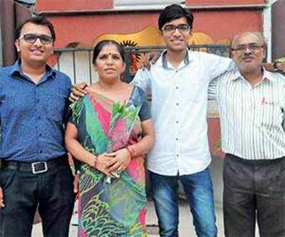 Eight students secure spot in top 50 AIR of inter CA