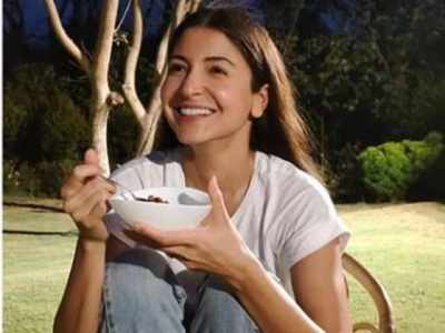 Mom-to-be Anushka Sharma's adorable throwback picture wins internet, see here