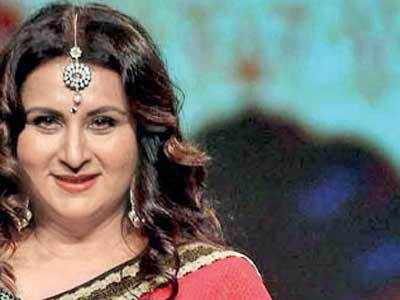 Poonam Dhillon returns after five years to play mom