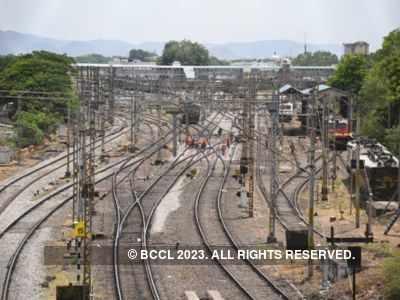 Triangle love among FB friends: Husband ends life on railway tracks in Telangana