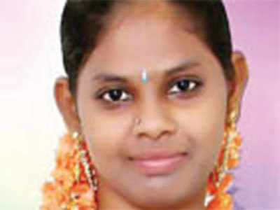Hyderabad sales girl stabbed by colleague