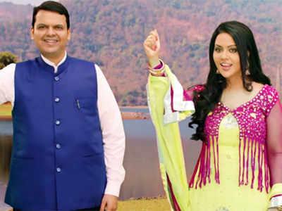 Oppn makes noise as CM Devendra Fadnavis, wife Amruta croon to save rivers