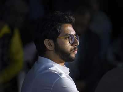 Aaditya Thackeray slams Devendra Fadnavis for bangles remark, demands apology