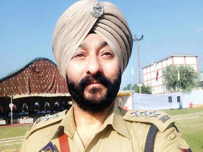Davinder Singh names another sr cop in J&K police as his boss