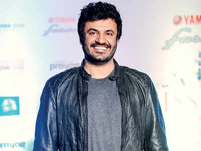 Exclusive! Queen director Vikas Bahl exonerated of sexual harassment charges; to be reinstated as the director of Hrithik Roshan's Super 30