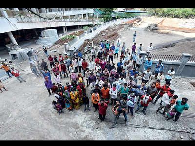500 labourers unpaid and trapped at under-construction site in Baner