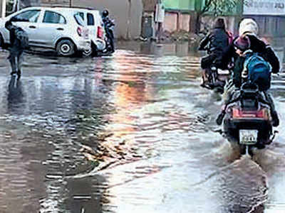 Residents of Thaltej wake up to flooded roads and dry taps