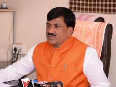 Former BJP Minister Babanrao Lonikar sparks row, calls woman tehsildar 'heroine'