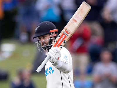 Williamson's 238 puts NZ on top in second test