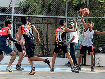 Local schools compete for basketball championship
