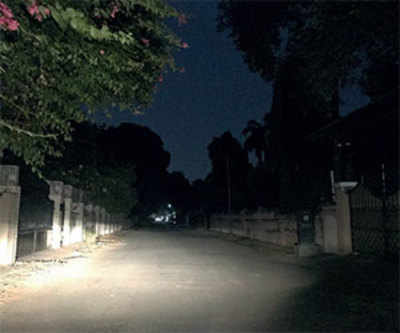Please fix these streetlights