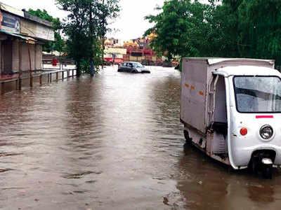 Rain, waterlogging throws life out of gear in Gurugram