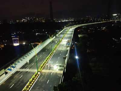 In photos: BKC - Chunnabhatti flyover lights up ahead of inauguration; It will take 2 more days for completion, says Nawab Malik after visit