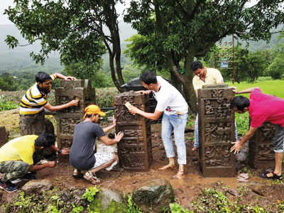 20 city youths leave no stone unturned to preserve memorials of unsung soldiers