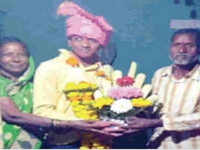 Waiter from Kolhapur becomes police sub-inspector