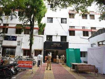 Faraskhana cop team attacked with scythe, bricks; one arrested