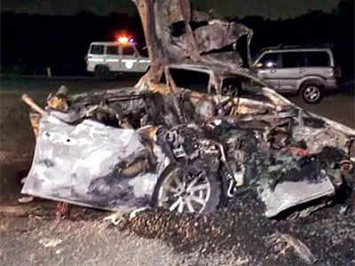 Ahmedabad: 3 friends die, 2 injured after car rams truck